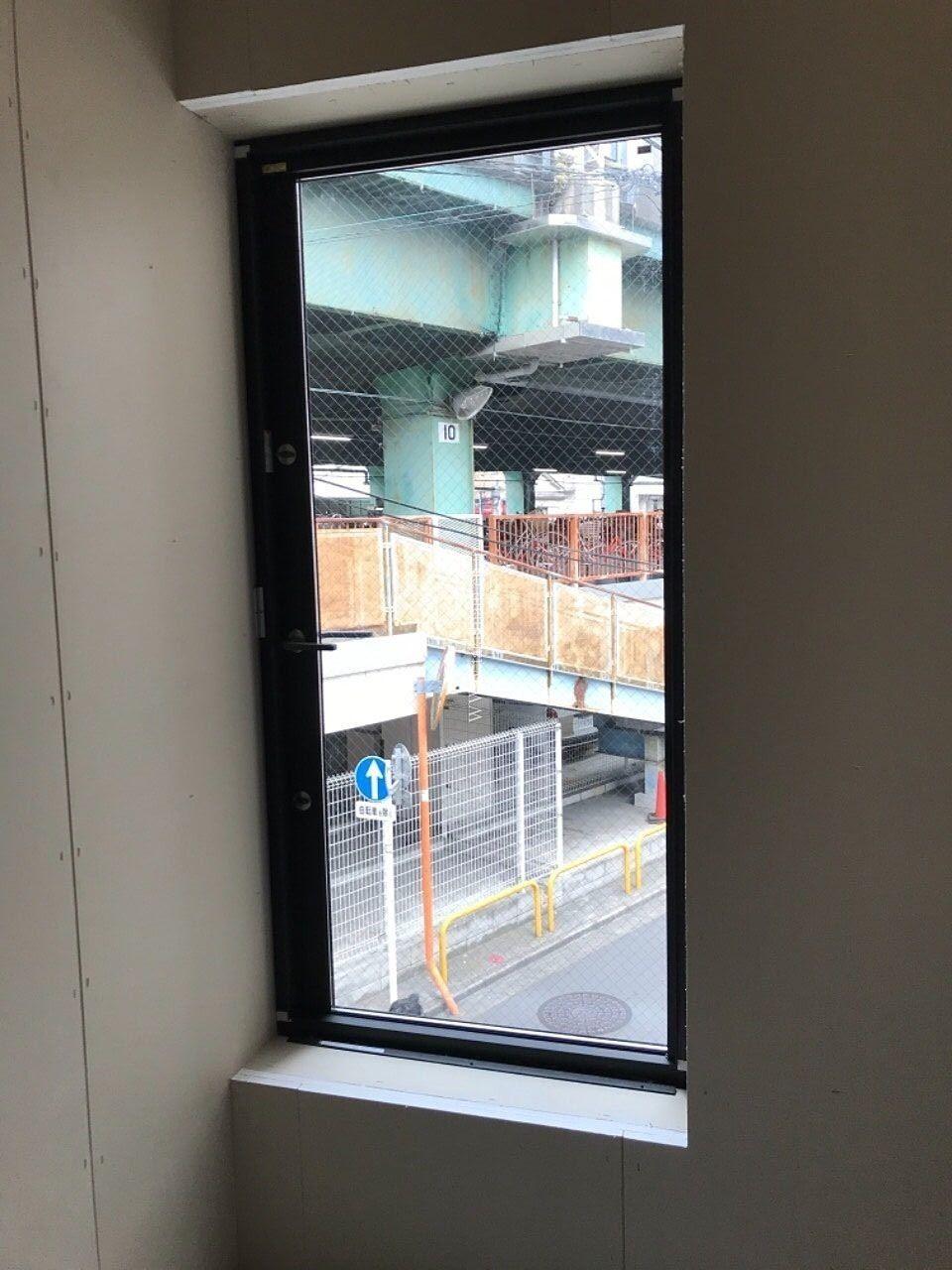 2F窓から