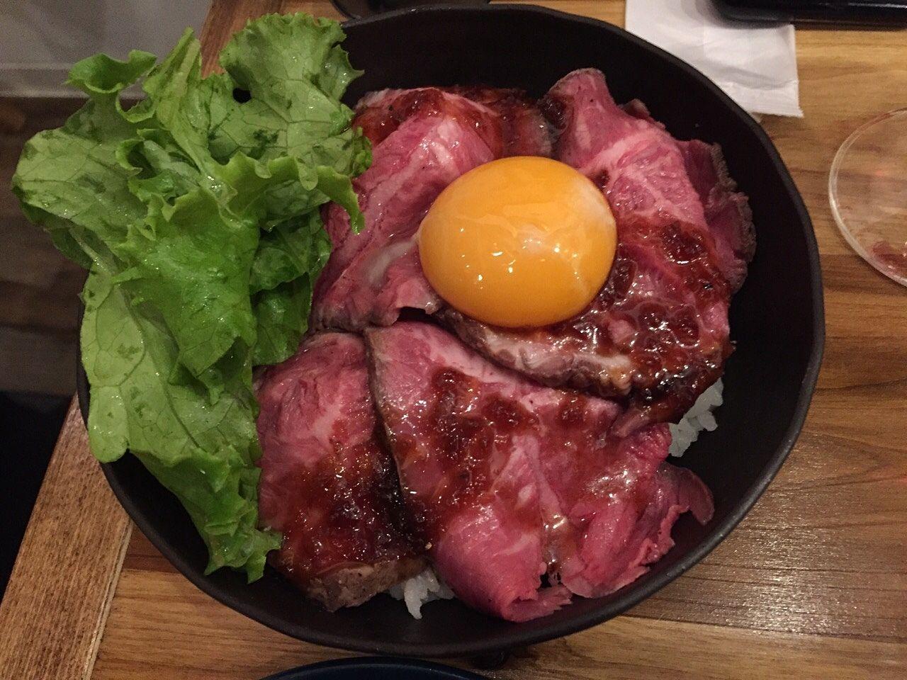 ローストビーフ丼800